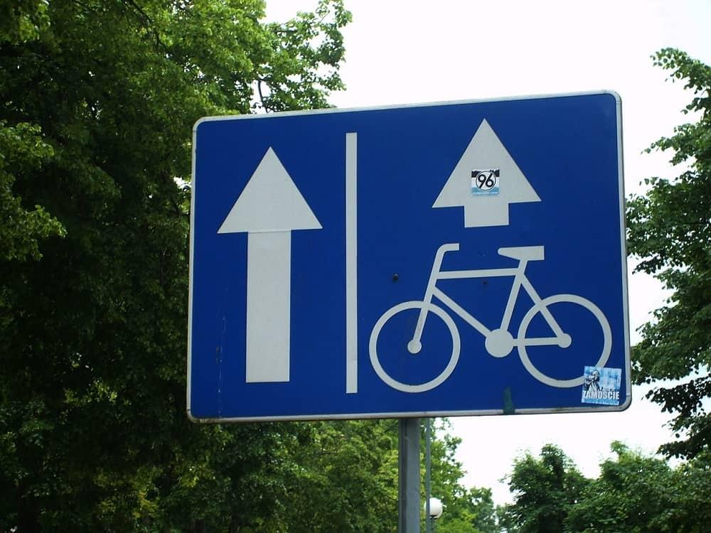 Znak kierowany do rowerzystów