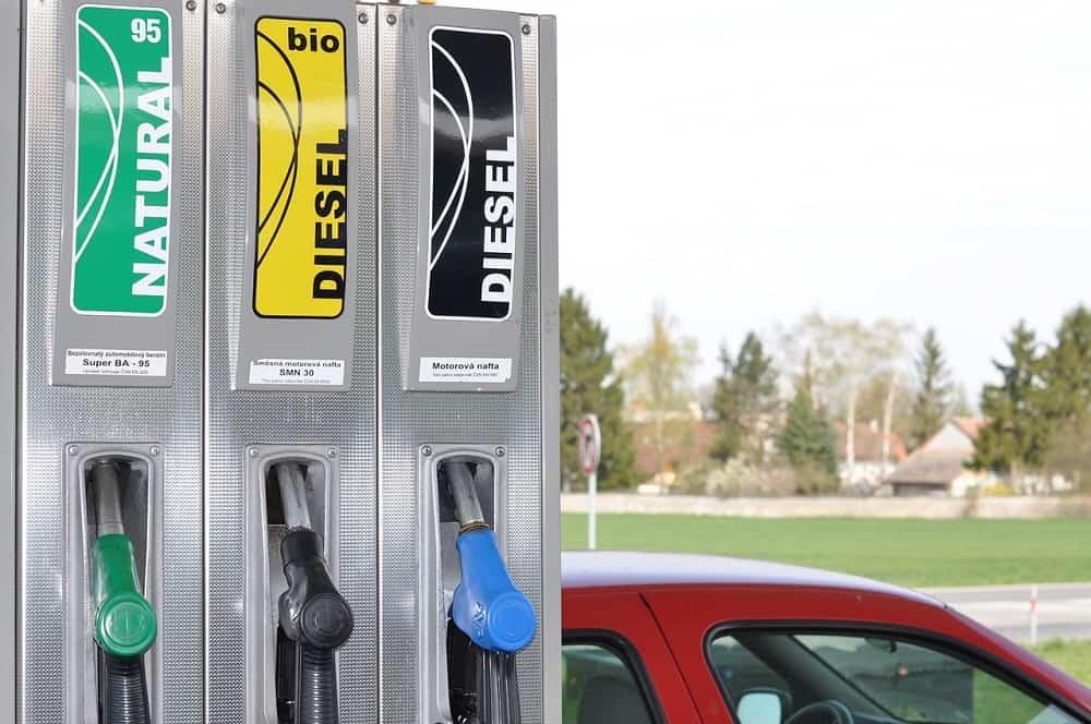 Stancja beznzynowa, rodzaje paliwa, tankowanie samochodu