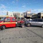 Wezwana autopomoc do awarii samochodu osobowego na parkingu
